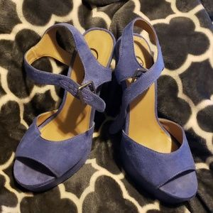 Candie's purple suede platform high heels